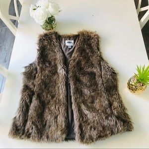 Old Navy Large Faux Fur Vest